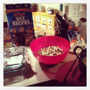 motherhoodhonestly.com | s'mores rice krispies treats
